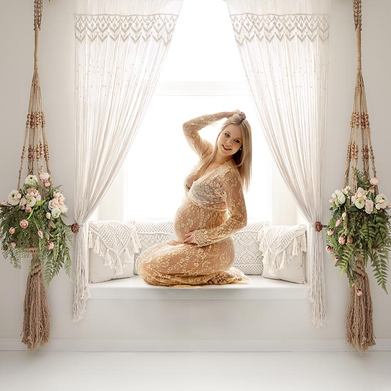 pregnancy photography captures special time